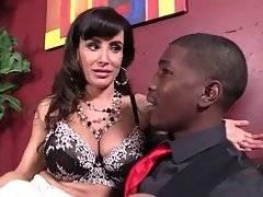 Lady boss Lisa Ann seduces toned black applicant Isiah.
