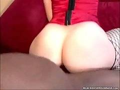 Big Bottomed White Babe Gets Poked By Black Guy 3