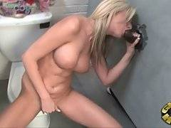 Sexy Kaylee Hilton Eagers To Get Fucked 2