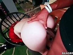 Pretty White Girl Longs To Get Fucked 2